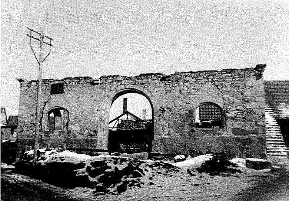 Rathaus nach Kriegszerstörung