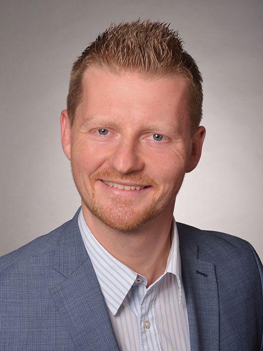 Herr Simon Gröger