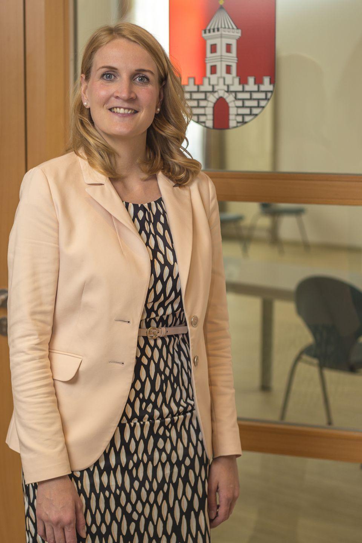 Frau Conrad im Rathaus